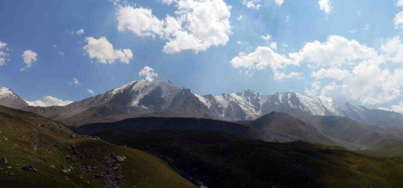 Мельников Сергей, Впереди Водораздельный хребет. Естественная граница Казахстана и Киргизии