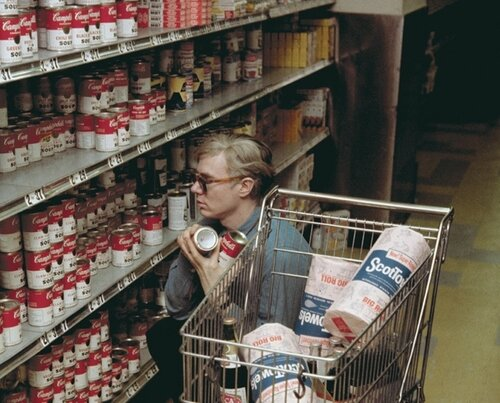 Andy-Warhol-at-Gristede's-supermarket-New-York-1962