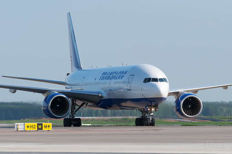 Boeing 777-222\ER (EI-UNV) Трансаэро DSC0385