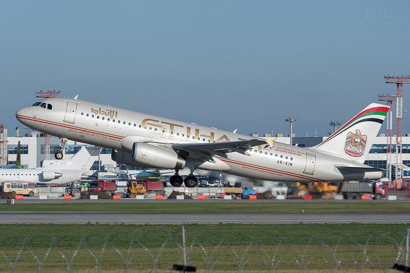 Airbus A320-232 (A6-EIM) Etihad DSC7064