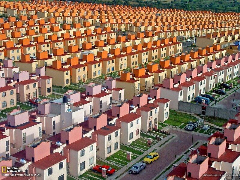 Жилые кварталы на окраине Истапалука муниципалитета в штате Мехико, Мексика.