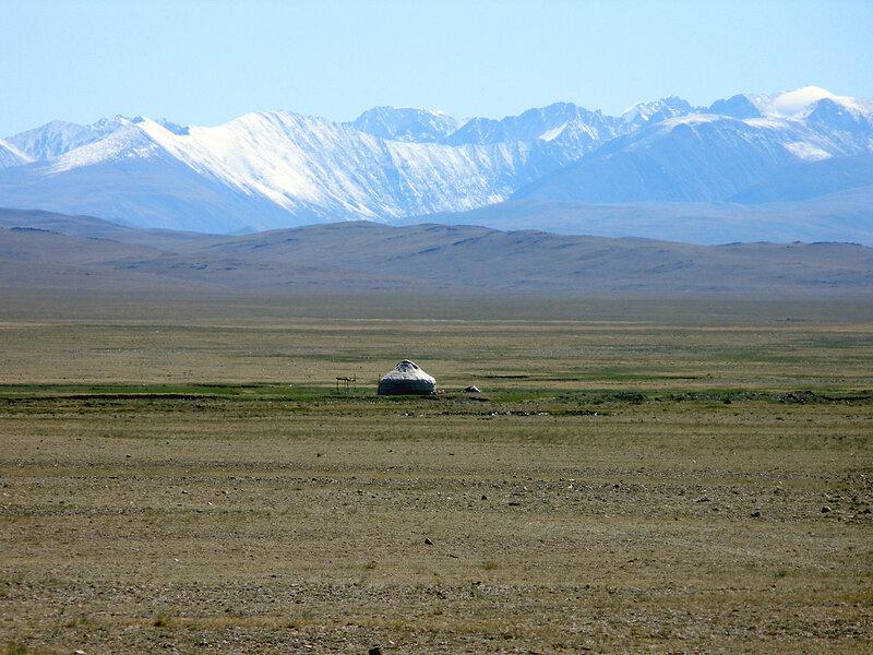 Юрта в горах Алтая