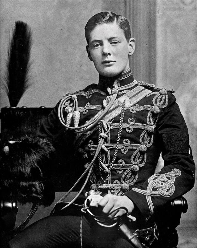 Черчилль в юности.