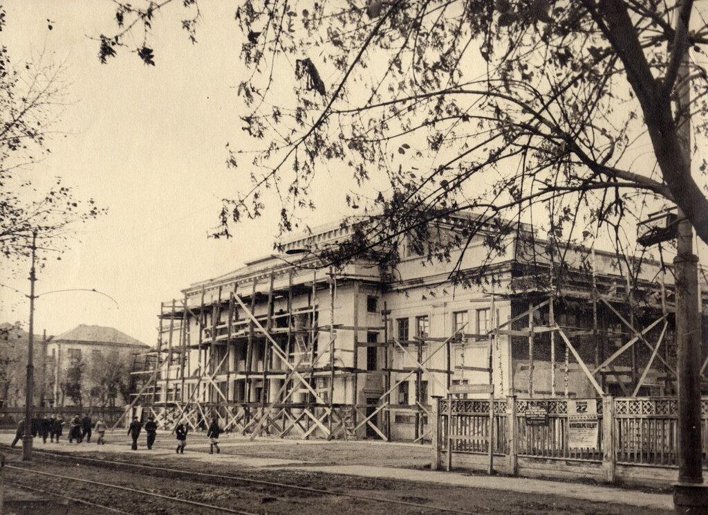 Ленина10 (Театр ЧТЗ).jpg