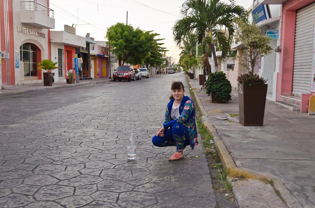 Туры в Мексику. Ранним утром на улицах Progreso (Прогресо) - никого...