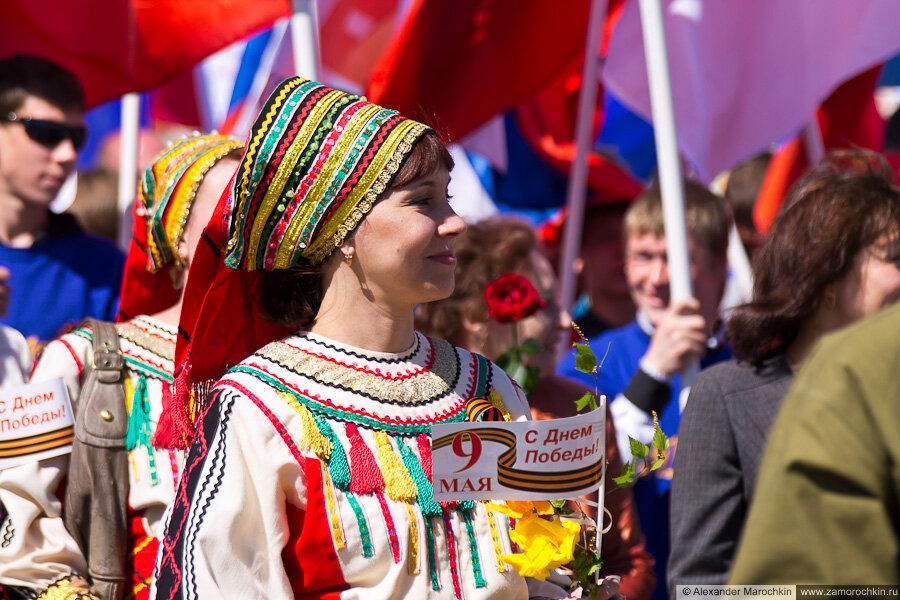 День Победы в Саранске. Шествие трудовых коллективов