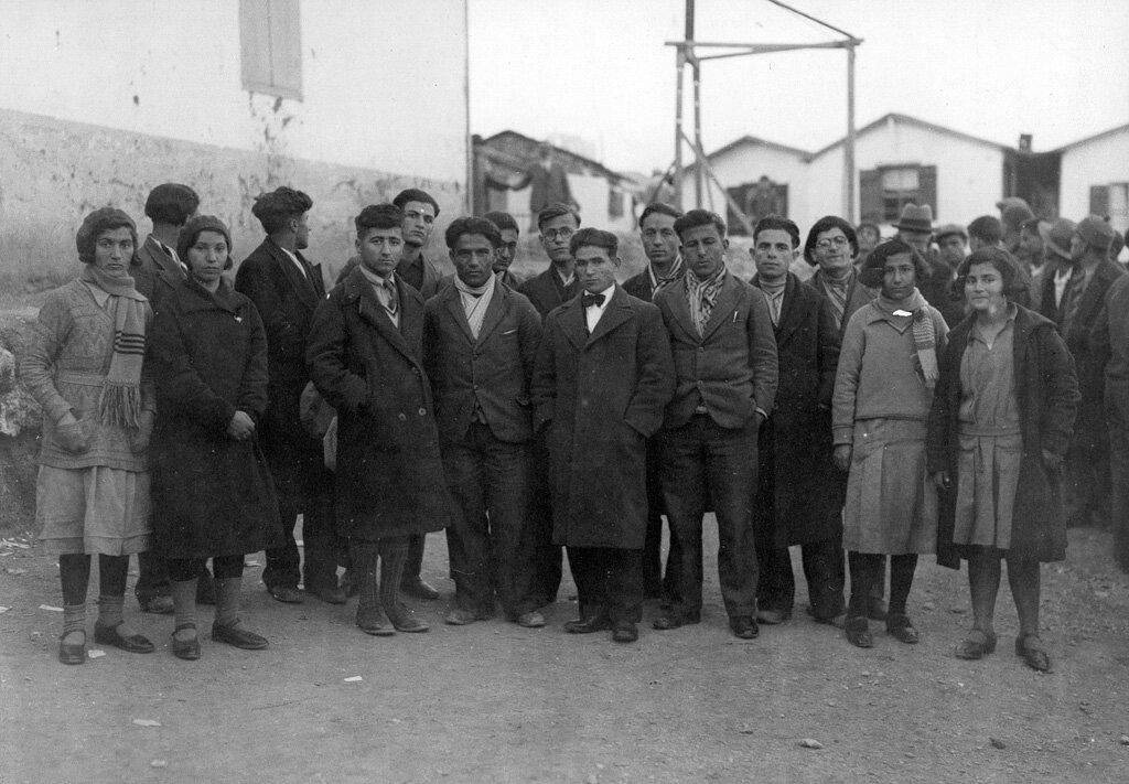 Выпускники института  Мелконяна на Кипре перед отъездом в Армению. Снимок был сделан в декабре 1931 года в Пирее.
