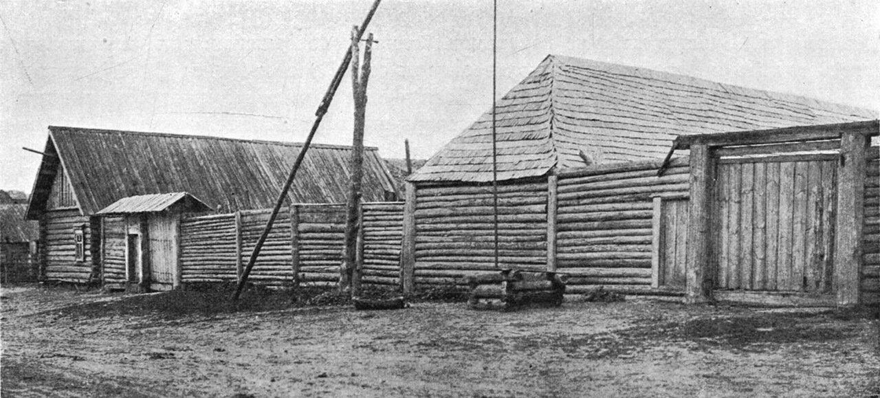 3. Изба и двор Брянского уезда, более богатого лесом