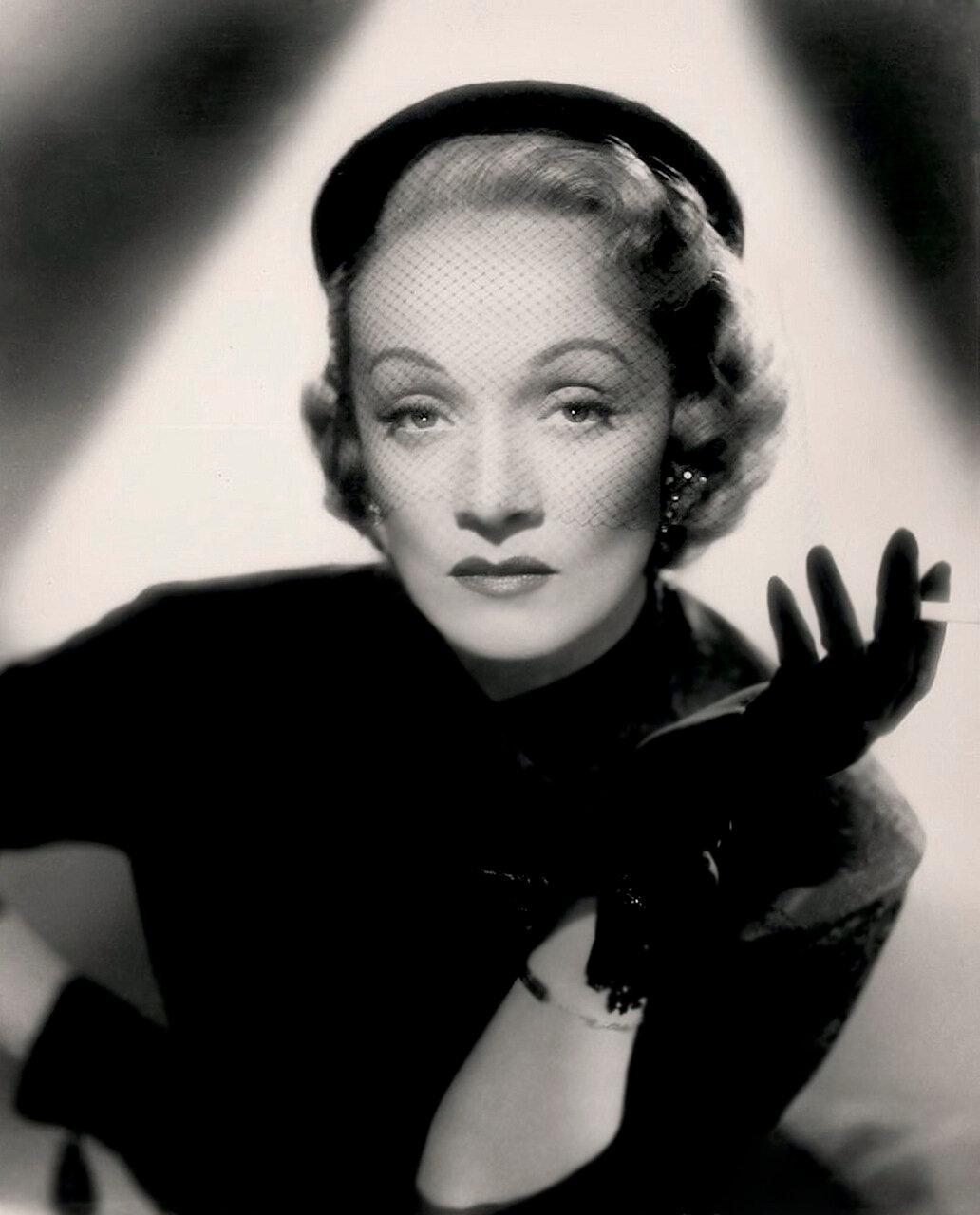 Marlene Dietrich, 1940's