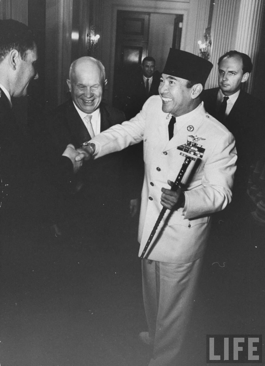Хрущев и Сухарто во время сессии Генеральной Ассамблеи ООН