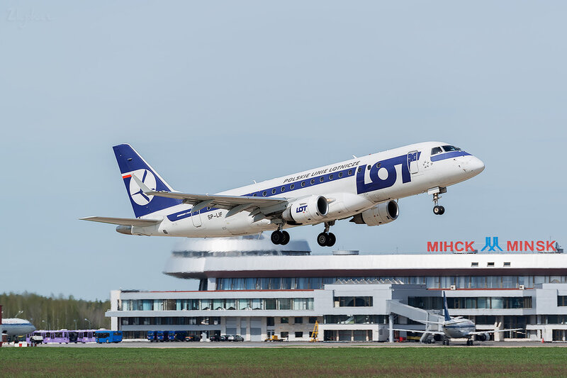 Embraer 170-200LR (SP-LIF) LOT - Polskie Linie Lotnicze D800394