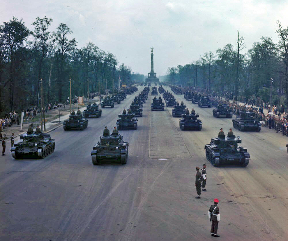 Allied victory parade in Berlin 07-09-1945a.jpg