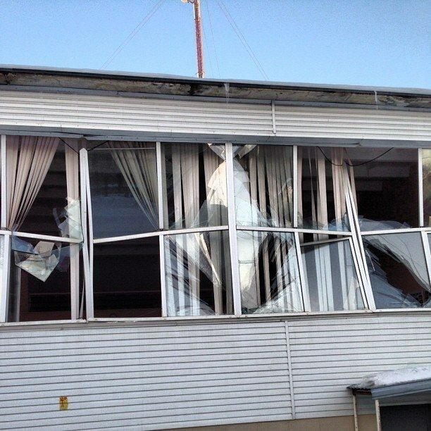 Последствия взрыва метеорита над Челябинском. Выбитые окна