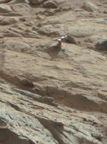 На марсе обнаружен странный объект