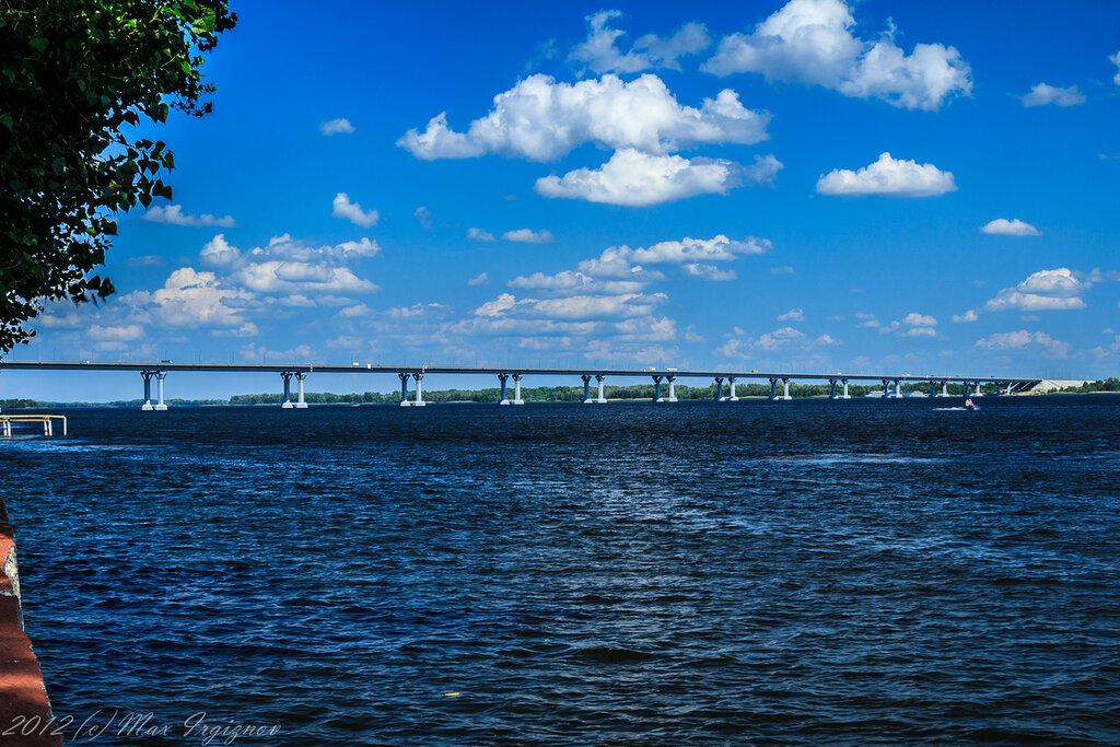 Мост через Волгу в Волжских далях