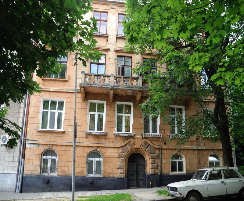ул. Карпинца, дом 1