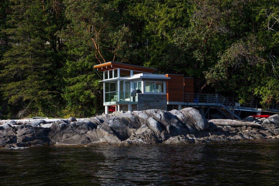 Дом с видом на залив в Канаде
