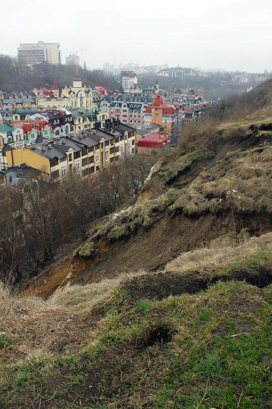 Место обвала почвы на Хоривице