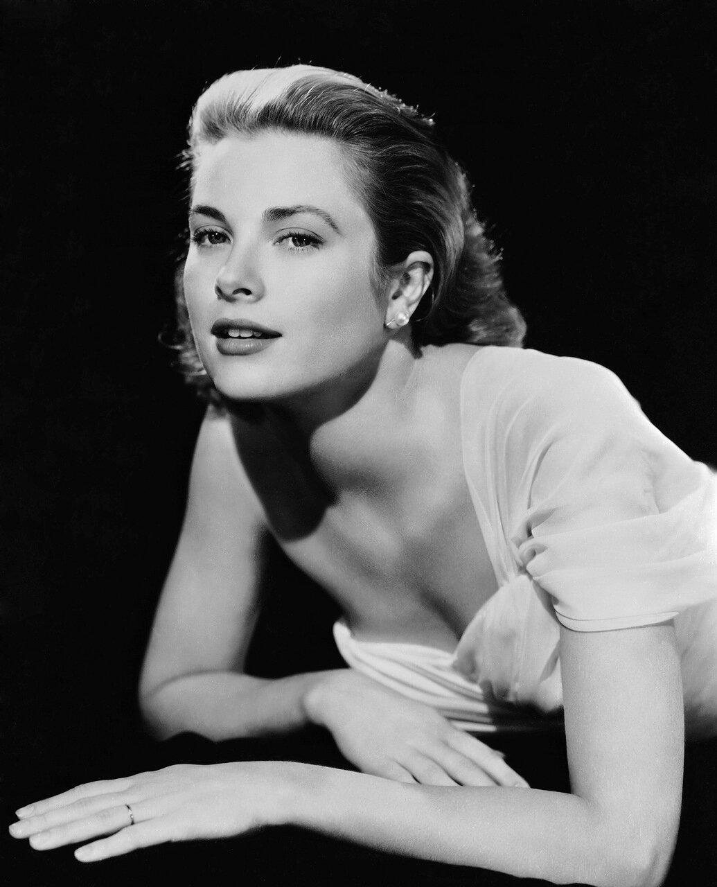 Grace Kelly - c. 1954
