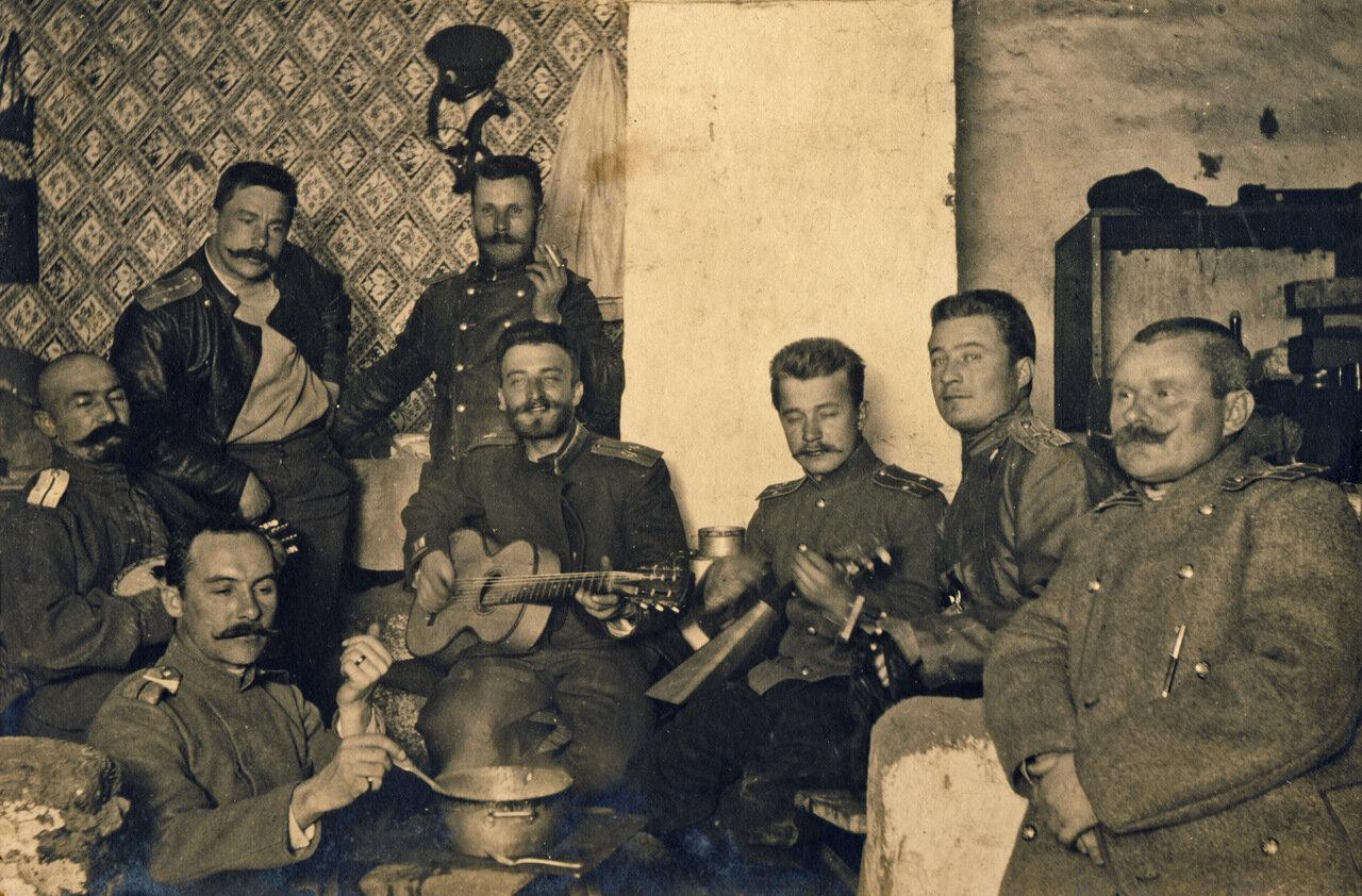 Маньчжурия 1905 гoд. Офицерские посиделки