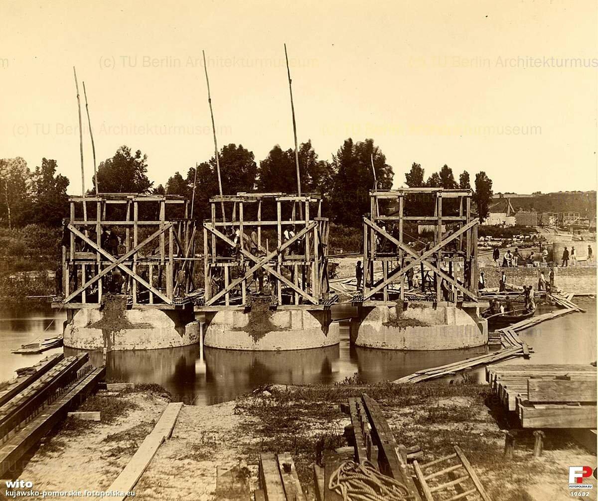 Строительство второй опоры моста через Малую Вислу, 1870