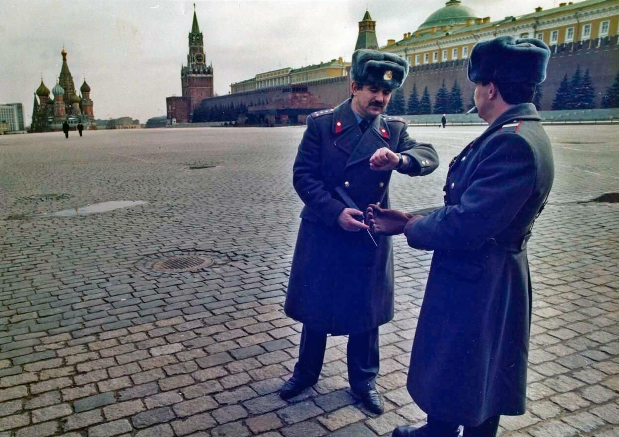 27 марта 1991. Патрулирование опустевшей Красной площади.
