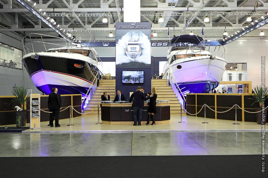 яхта «Princess V52» и яхта «Princess 42»
