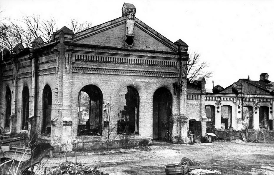 1943. Водонасосная станция Сталинского района, улица Жадановского (теперь улица Жилянская), 160