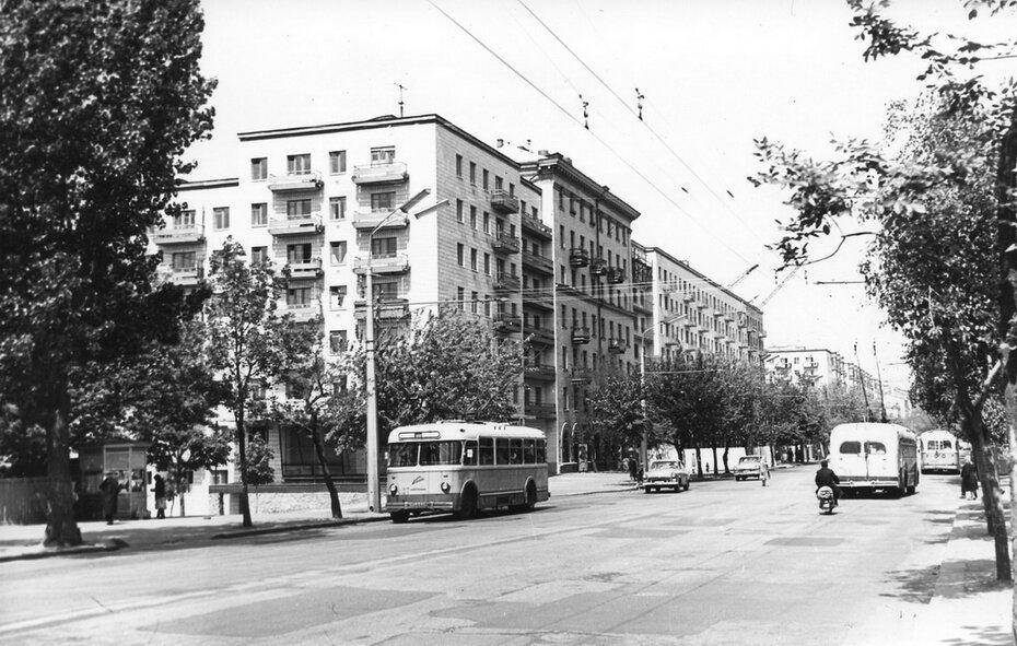 1964. Угол улиц Красноармейской и Тверской. Фото: Плаксин М.