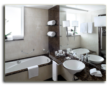 ОАЭ. Дубаи. UAE. Grosvenor House, Dubai. Premier Room – Bathroom