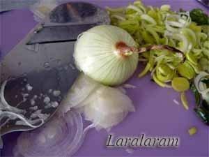 Тонко нарезанные овощи для супа