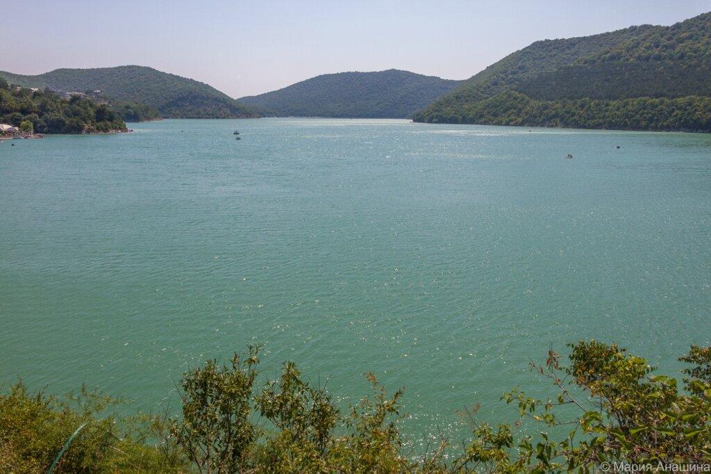 Где находится абрау озеро