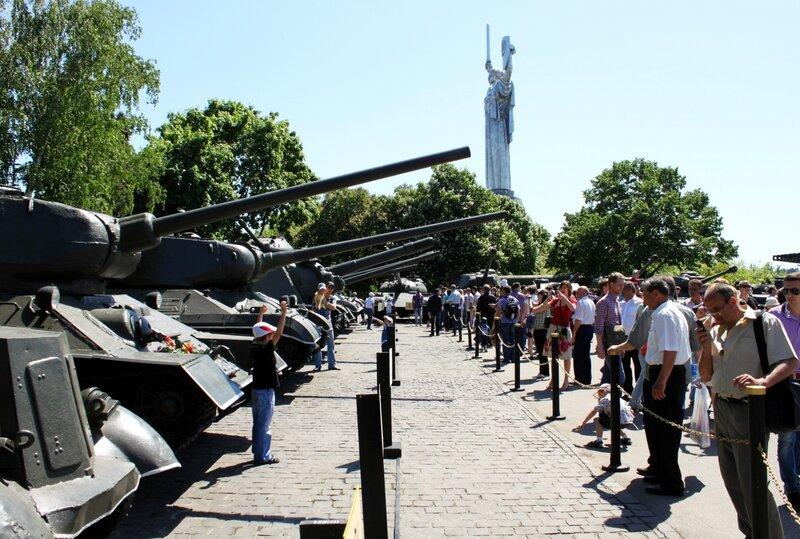 Выставка танков