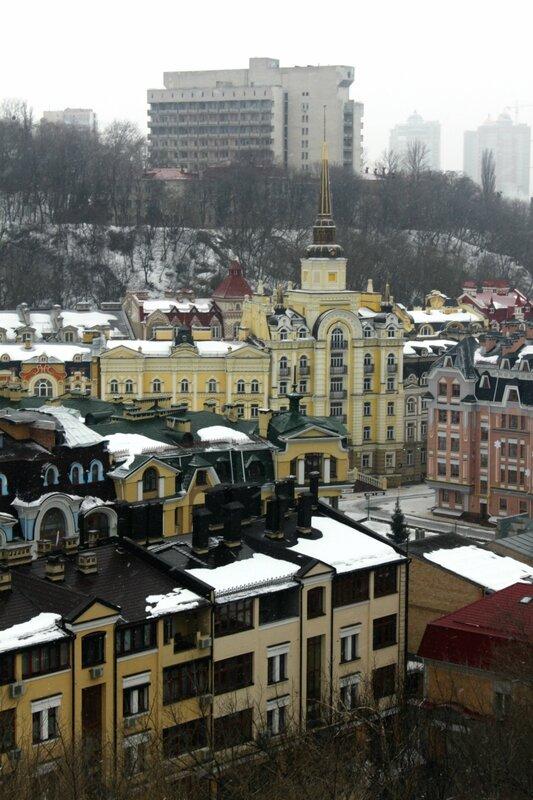 Дом со шпилем на Кожемяцкой