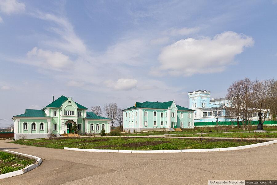 Трапезная и другие здания Макаровского монастыря Саранск