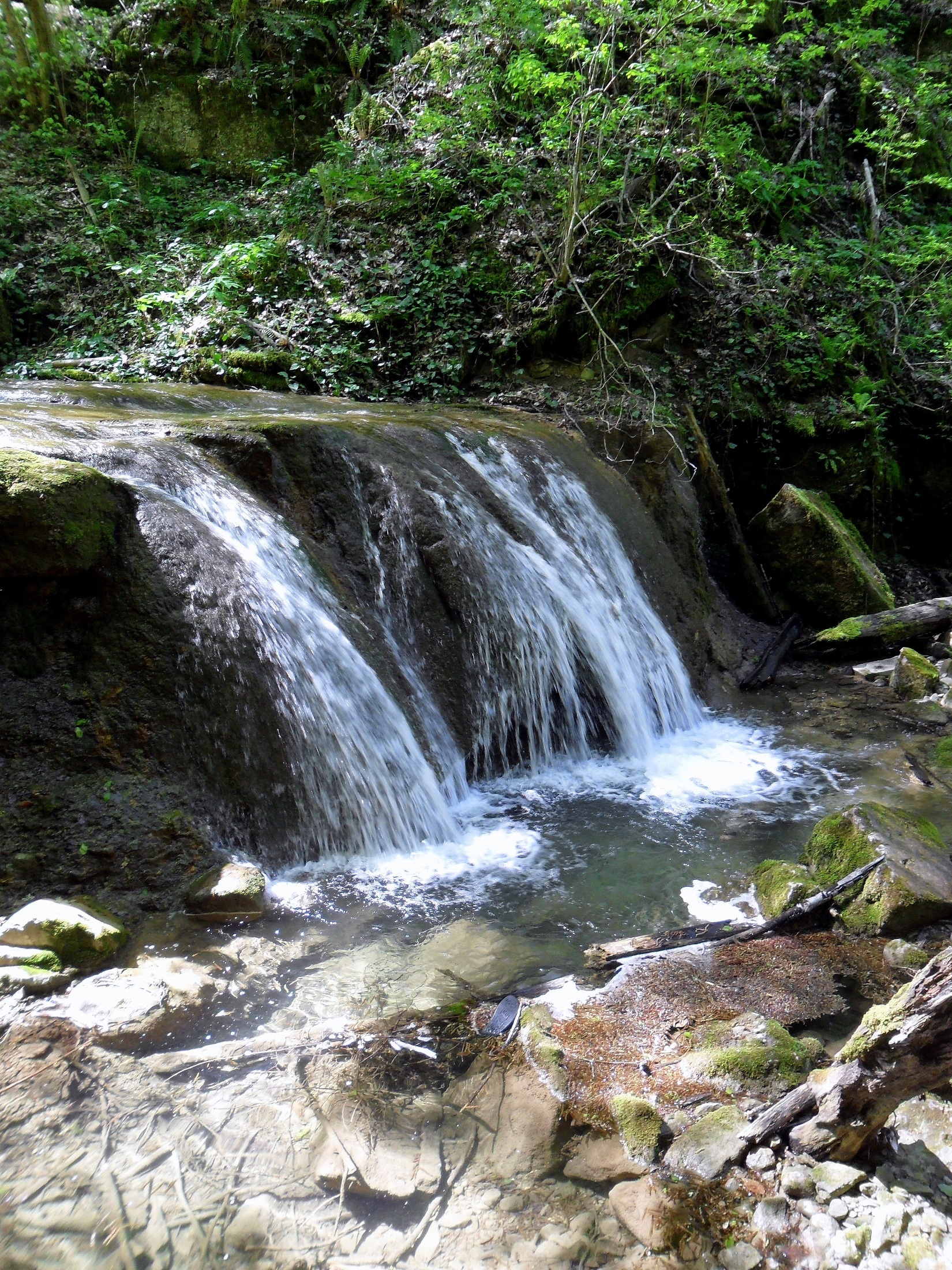 Апрель 2013, у водопадов, туризм, Краснодарский край
