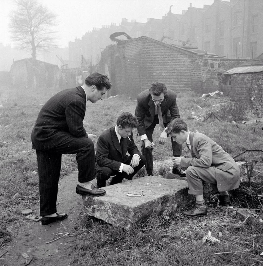 1954. Игроки на пустошах. Лондон