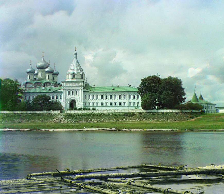 Водяные врата и Архиерейские покои. Ипатьевский монастырь. Кострома. 1911.