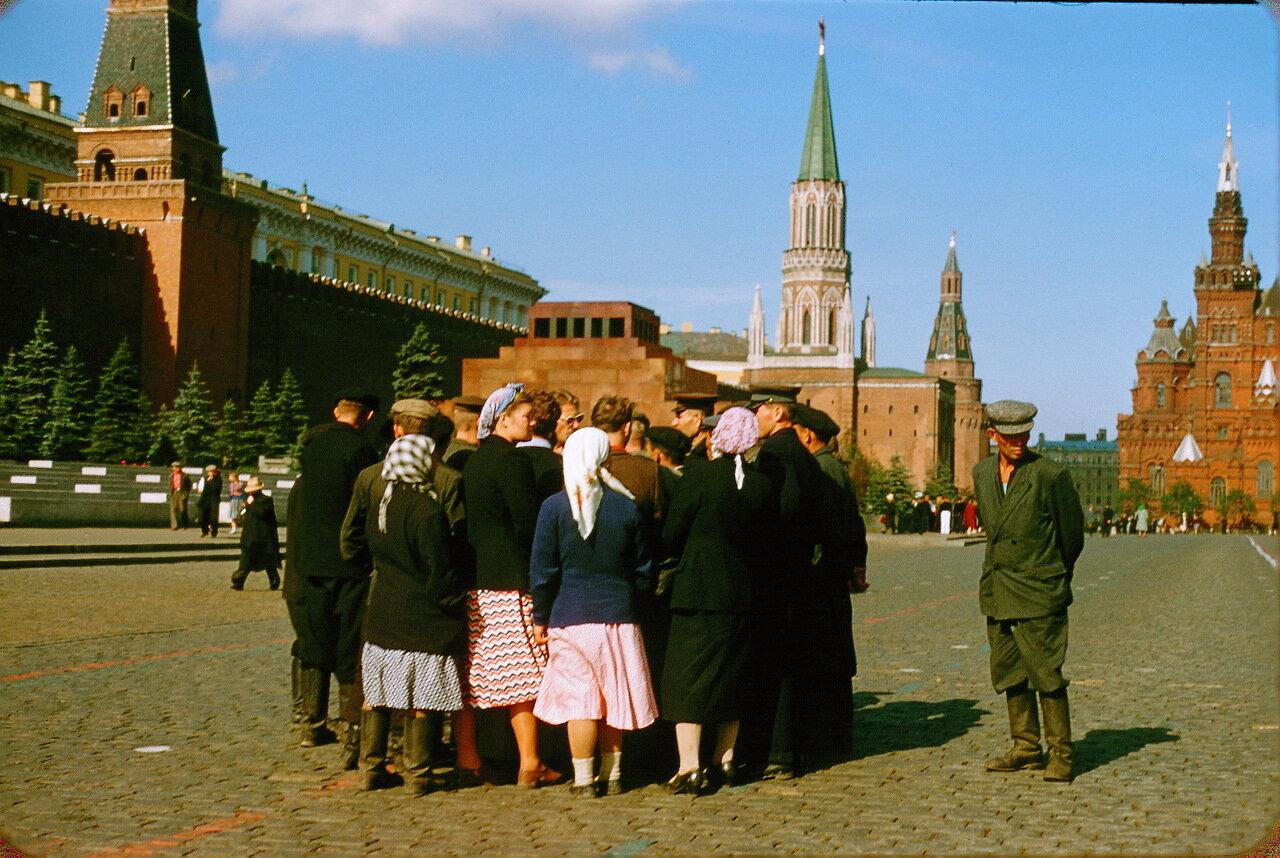 Приезжие на Красной площади