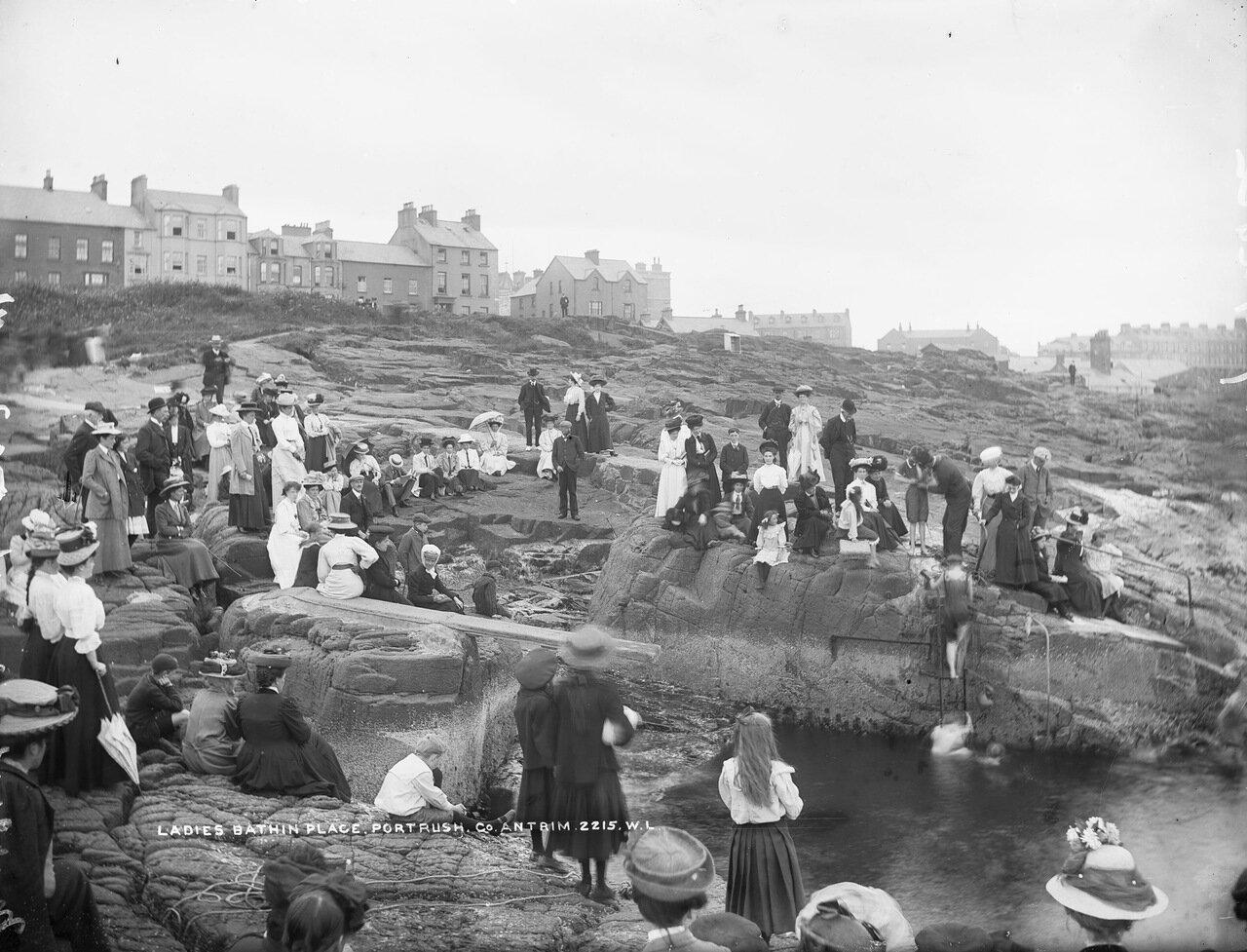 Женские купальни. 1900.