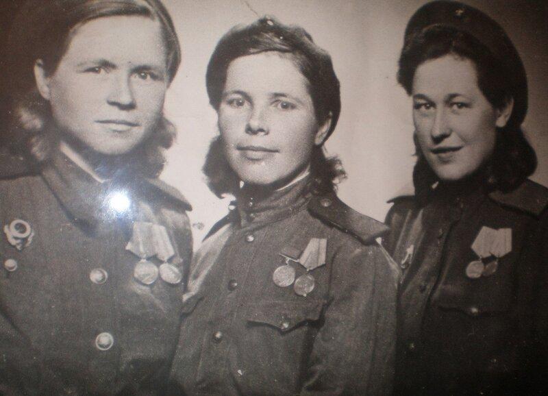 Анна Чекрыгина, Вера Сафронова и Нина Муравецкая