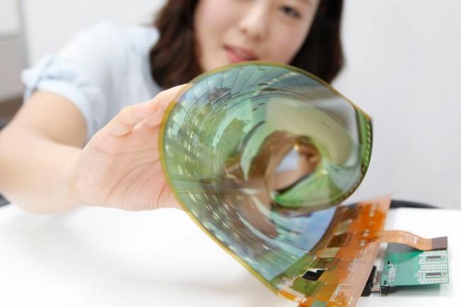 LG вложит млрд. долларов в изготовление гибких и складных дисплеев