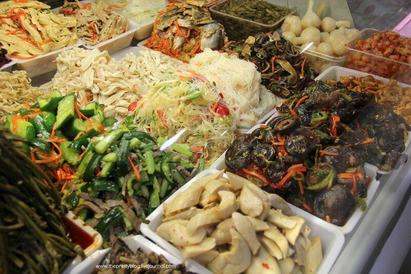 Корейские салаты, фотовитрины