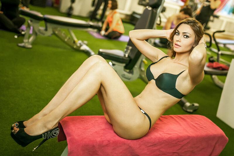 Фотографии девушек в спортзале 1 фотография