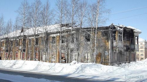 Фотография Инты №4042  Юго-восточный угол Кирова 30 25.03.2013_12:13
