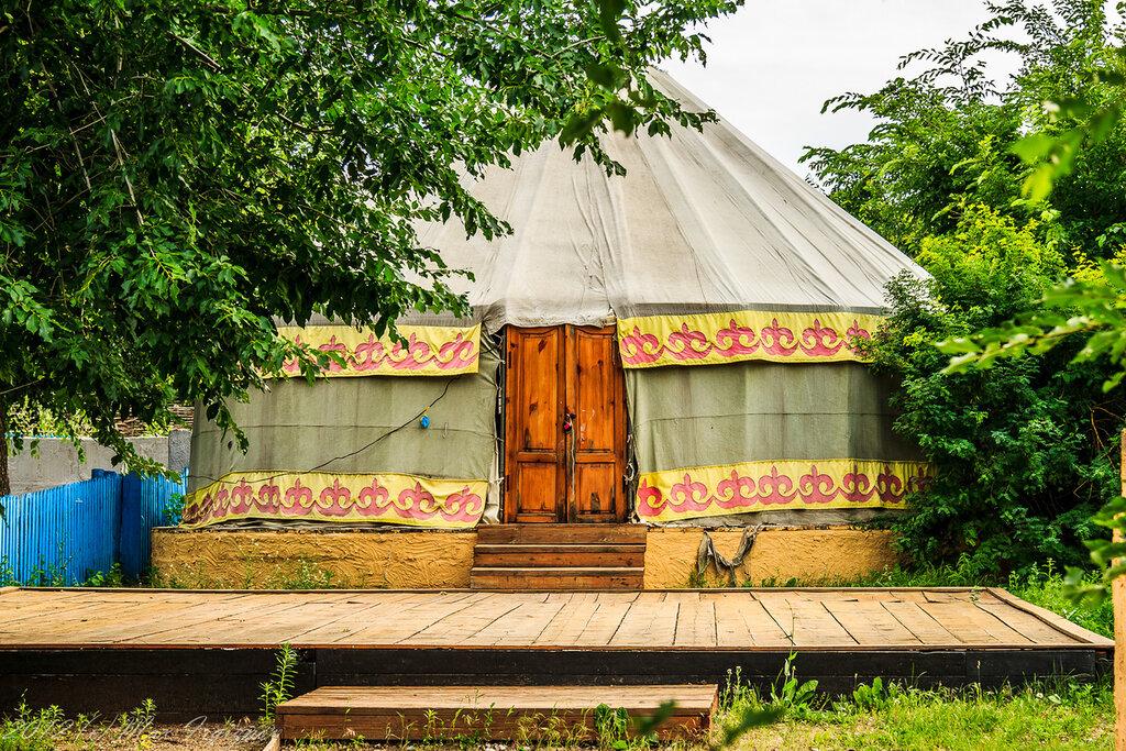 казахский двор