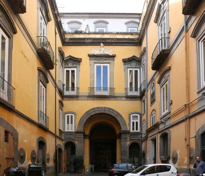 Naples. Via San Biagio Dei Librai)