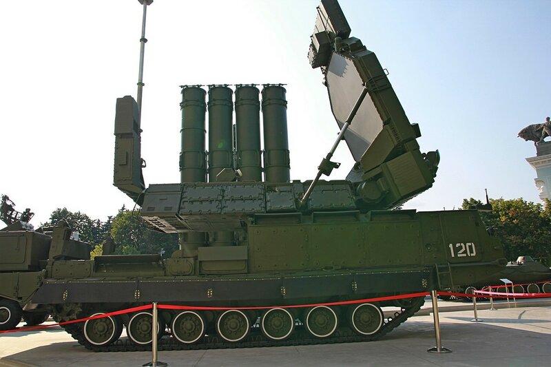 Многоканальная станция наведения ракет 9С32 из комплекса С-300В - Военная техника на ВДНХ