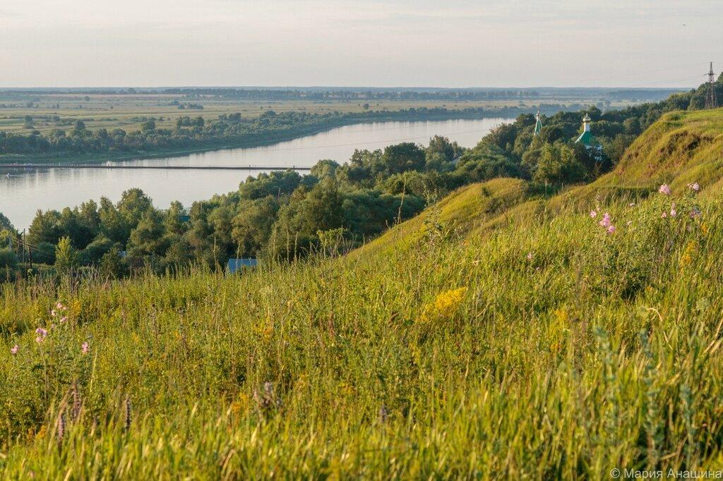 Крутой берег городища и село Старая Рязань