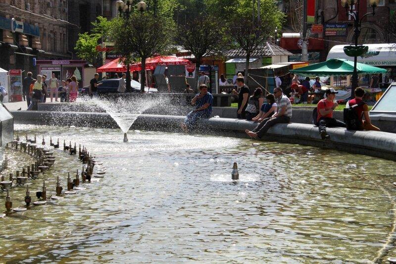 Начало работы фонтанов Киева